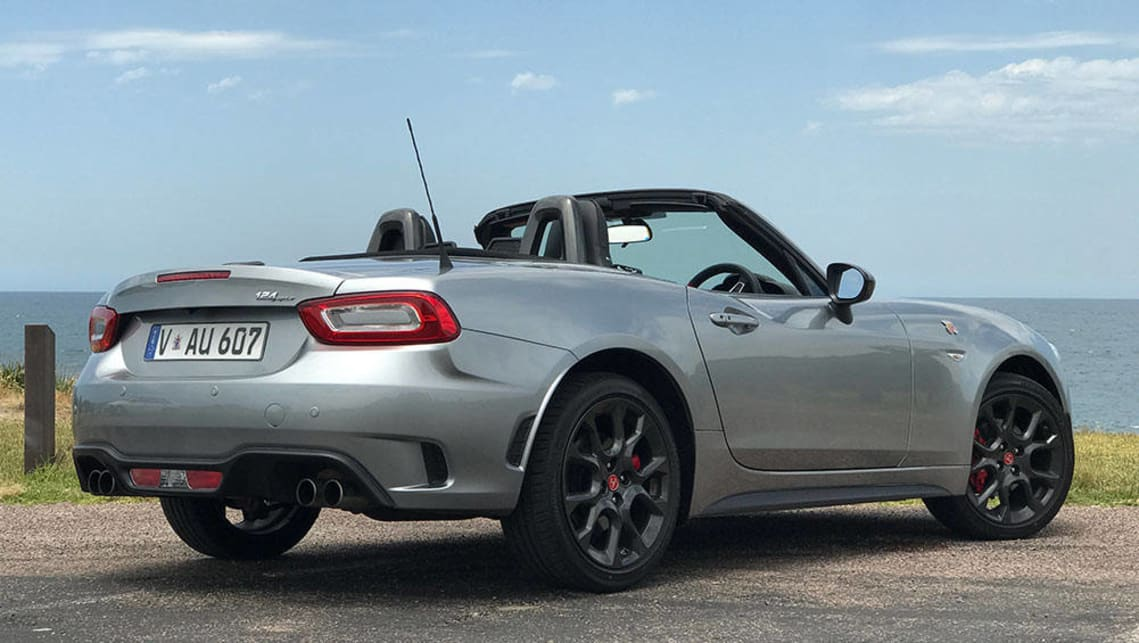 2017 fiat 124 spider abarth manual